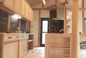 木 キッチン 収納