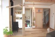 土間と薪ストーブのある家