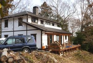 南足柄市 「丘の上の漆喰の家」板倉造り・樹の家