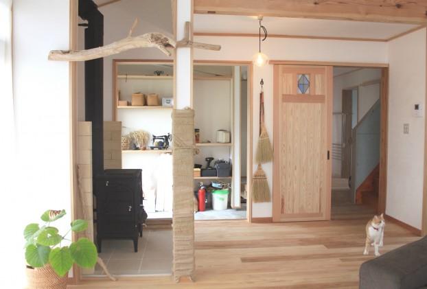土間と薪ストーブのある家(愛川町)